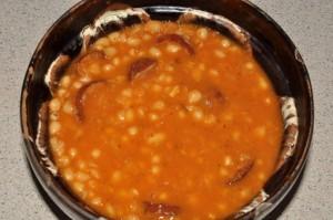 Iahnie de fasole cu carnati (iahnie)